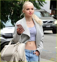dove cameron midriff crop top hollywood 01