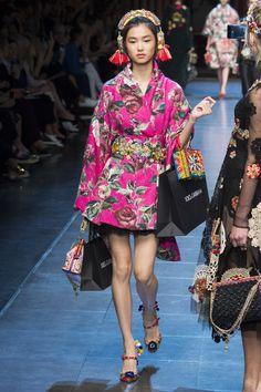 Dolce & Gabbana Spring 2016 Ready-to-Wear Fashion Show - Estelle Chen