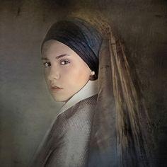 Girl with a Pearl Earring - Alejandra Solett Girl With Pearl Earring, Dutch Golden Age, Johannes Vermeer, Famous Artwork, Dutch Painters, Hearing Aids, Girls Wear, Art Girl, Cool Style