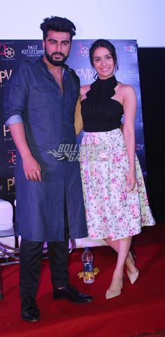 Shraddha looked beautiful in a floral middy skirt with a blac khalter as she promoted Half Girlfriend with co-star Arjun Kapoor Shraddha Kapoor Cute, Arjun Kapoor, Half Girlfriend, Acting Skills, Celebs, Celebrities, Kolkata, Girlfriends, Bollywood