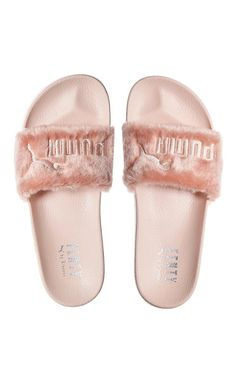 3d5f5cb3c750 Sandals Summer - Puma X Rihanna Fenty Leadcat Slippers Sandals Flip-flops  Women s… - There is nothing more comfortable and cool to wear on your feet  during ...