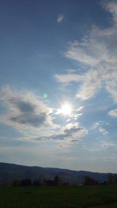 Wie so oft, Sonne und Wolken, bei uns auf dem Berg. ;-)