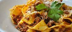 Una #ricetta semplice e tra le più famose al mondo della #cucina italiana. Ecco come preparare le pappardelle alla bolognese --> http://bit.ly/1hCiX8q  Registrati gratuitamente su www.esicily.it e approfitta dello sconto!