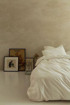 Future Home Interior Crisp sheets 2 x npersoonsdekbed of cadeaubon.Future Home Interior Crisp sheets 2 x npersoonsdekbed of cadeaubon. Home Bedroom, Bedroom Decor, Bedroom Inspo, Master Bedroom, Aesthetic Bedroom, Aesthetic Outfit, Aesthetic Dark, Aesthetic Clothes, Minimalist Bedroom
