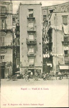 Postcard Napoli Neapel Campania, Vicoli di S. Lucia, Wohnhäuser mit Gassen, Wäscheleinen, Wagen