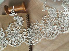 2 yards Ivory Venice Lace Trim Bridal Wedding Veil by lacetime