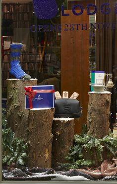 FormRoom for Murdock London | Christmas Lodge Pop-Up | #Murdock #PopUp #RetailInteriors #StoreDesign #VM