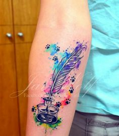 Javi Wolf Tattoo- watercolor ink well and feather on arm Tattoo Aquarelle, Watercolor Tattoo Feather, Aquarell Tattoo, Forearm Tattoo Design, Forearm Tattoos, Body Art Tattoos, Small Tattoos, Wrist Tattoo, Quill Tattoo
