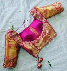 Want to get that stylish look in Saree. Take a look at these stunning and trending blouse designs photos for ultimate style. Wedding Saree Blouse Designs, Pattu Saree Blouse Designs, Designer Blouse Patterns, Fancy Blouse Designs, Dress Patterns, Blouse Back Neck Designs, Blouse Neck, Golden Blouse Designs, Traditional Blouse Designs