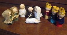 I found the original idea for this fantastic and simple nativity at Little Inspirations (click on the picture below to go to the post).  ...