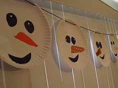simple paper plate garland for the smallies - love that everyone can have a different expression: eyes up looks cheeky, eyes down looks sad, eyes in the middle he looks freaked out!