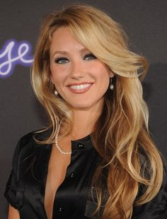 Whitney-Duncan-Long-Wavy-hairsty...    http://www.hairextensionspro.co.uk/