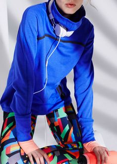 Workout in style with Sweaty Betty's technical range of gym clothes. Shop bum-sculpting leggings, supportive sports bras, running jackets and more. Sport Fashion, Fitness Fashion, Fitness Style, Gym Wear For Women, Fit Women, Running Jacket, Running Gear, Supportive Sports Bras, Sweaty Betty