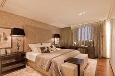 Luxury Bedroom in Atrium Building - London   SISSY FEIDA INTERIORS