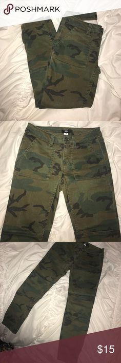Camo skinny jeans Camo skinny jeans. Zippers at bottom of both pant legs. Worn once. I'm 5'1 and these hit me at my ankles. BDG Jeans Ankle & Cropped