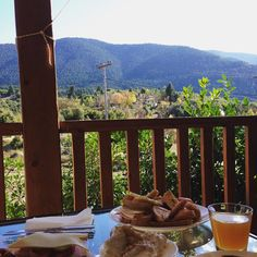"89 ""Μου αρέσει!"", 5 σχόλια - 🅚🅐🅛🅛🅘🅐 .🅚 (@p0ppiee) στο Instagram: ""#morningview#breakfast#arkadia#vitina#mainalosmountain 🕵🏼‍♀️🕵🏼🥐🍯🍹"""