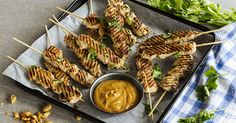 Chicken Satay They'll go nuts for these tasty chicken skewers! Let morsels of chicken as tender as your love and care give them a taste of creamy, white heaven! Chicken Satay, Chicken Skewers, Chicken Wings, Peanut Sauce Recipe, Sauce Recipes, Ph, White Heaven, Tasty, Creamy White