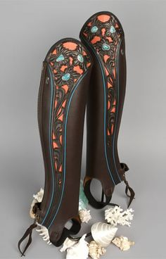 A beautiful pair of custom half-chaps. I like.