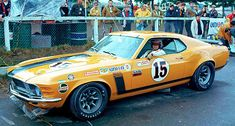 Parnelli Jones - Ford Mustang Boss 302 - Bud Moore Racing - Trans-Am Kent - 1970 SCCA Trans-American Championship, round 10 Ford Mustang Boss, Mustang Fastback, Sports Car Racing, Race Cars, Auto Racing, Road Racing, Parnelli Jones, Vintage Mustang, Classic Mustang