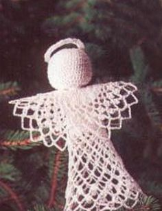 Yarnspirations.com - Patons Tree-Topper Angel - Patterns  | Yarnspirations