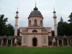 They have many beautiful mosques, indeed in Germany!/NZI mosque-in-schwetzingen-germany. Indian Architecture, Church Architecture, Islamic Center, Beautiful Mosques, World Religions, World's Most Beautiful, Place Of Worship, Cool Places To Visit, Taj Mahal