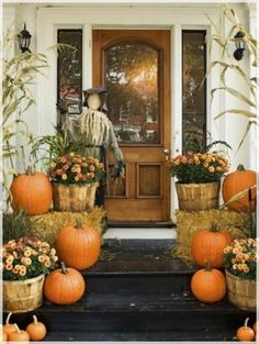 10 Unique Porch Decorating Ideas for Fall and Halloween - with scarecrow and pumpkin ideas home concept