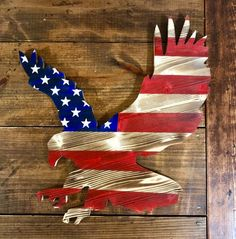 Items similar to Wooden American Flag - Free Bird - American flag - wood flag - eagle cutout - wood eagle on Etsy American Flag Crafts, American Flag Wall Art, American Flag Painting, American Flag Wreath, Rustic Wooden American Flag, American Flag Pallet, Punisher, Memorial Day, Patriotic Decorations