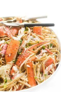 Sweet snow crab legs are tossed with whole wheat linguine in a light and fragrant white wine garlic sauce. Vegetarian Pasta Recipes, Seafood Pasta Recipes, Crab Recipes, Seafood Dishes, Pasta Dishes, Cooking Recipes, Crab Dishes, Seafood Meals, Pescatarian Recipes