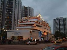 http://2.bp.blogspot.com/_qoJr7kKgahs/TFZyK9gq40I/AAAAAAAAIWg/LkB0pUNLRL8/s1600/unusual-restaurants-07.jpg