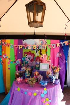 My little pony candy bar- My Little Pony Friends, My Little Pony Baby, My Little Pony Birthday Party, Rainbow Birthday Party, 4th Birthday Parties, 2nd Birthday, Birthday Ideas, Party Ideas, Centrepieces