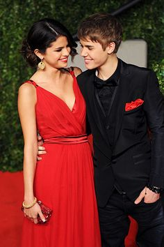 February 27, 2011: Selena Gomez and Justin Bieber arrive at the Vanity Fair Oscar party hosted by Graydon Carter held at Sunset Tower in West Hollywood, California.