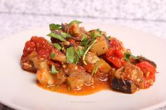 Mâncare de legume în vin roșu Ratatouille, Meat, Chicken, Ethnic Recipes, Wine, Beef, Cubs