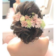 ウェディングヘア❤お花アレンジ #シニヨン #bridalhair #bride #weddinghair #wedding #hairstyles #hairmakeup #beautiful #ウェディングヘア #ウェディング #ヘアスタイル #花嫁ヘア #洋装アップスタイル♡  担当/aim原宿店 富岡  #weddinghair #weddingdress #wedding #bridal #ウェディング #ブライダルヘア #花嫁ヘア #フォトウェディング #ヘアセット #ヘアアレンジ #札幌 #原宿 #スタジオaim