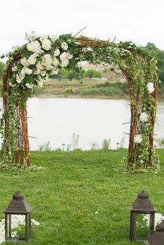 L'arche est fait maison.  Fleurs:Stephanie Descloud bordeaux Photos: Agence IK bordeaux