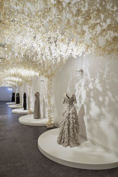 Smarty: Wanda Barcelona diseña un palacio de papel para la exhibición Modemethode