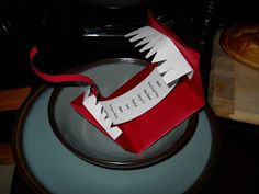 Foodigen: Easy to make! Harry Potter Howlers - I had the dinner party menus written inside!!! Too Fun!