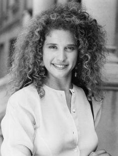 Nancy Travis - to me, perfect girl next door - and always loved that hair - I want lots of red curly hair Nancy Travis, Black And White People, Amanda Bynes, Hollywood Stars, Hollywood Icons, Women In History, Curly Girl, Celebs, Celebrities