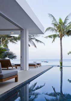 World of Architecture: Stunning modern beach house in Vietnam | #worldofarchi #architecture #modern #house #home #beach #white #SwimmingPool