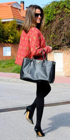 Fashion and Style Blog / Blog de Moda . Post: This kind of Jacket / Este tipo de Chaqueta .See more/ Más fotos en : http://www.ohmylooks.com/?p=12237 by Silvia