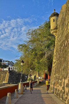 Las murallas de la Ciudad. Viejo San Juan, Puerto Rico.