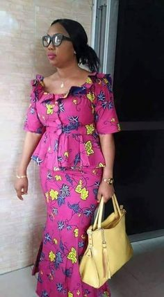 latest ankara skirt and blouse skirt and blouse style for wedding, africaine, 2019 Beautiful Ankara Short Skirt And Blouse Styles of the Moment Ghanaian Fashion, Latest African Fashion Dresses, African Dresses For Women, African Print Dresses, African Print Fashion, Africa Fashion, African Attire, Ankara Rock, Ankara Skirt