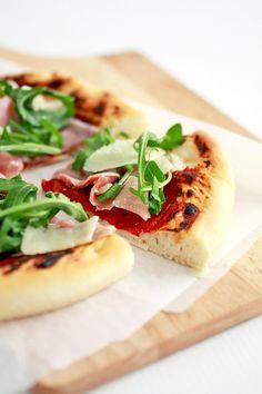 Parma Ham & Rocket Pizza #pizza #recipes rocket pizza, hams, parma ham, food, pizzas, rockets, ham recip, pizza recip, ham pizza