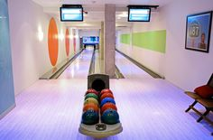 Bowling Penthouse in New York. Bowling Penthouse in New York photos. Home Bowling Alley, Future House, My House, Fun Bowling, New York Photos, My Dream Home, Game Room, Beautiful Homes, House Beautiful