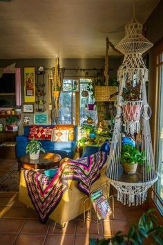 hippie home decor Dreamy bohemian house with best of exterior interior decor ideas 5 Indie Room Decor, Bohemian Decor, Living Room Decor, Hippie House Decor, Bohemian House, Vintage Bohemian, Indie Living Room, Bohemian Style Rooms, Hippie Bedroom Decor