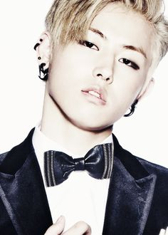 U-kwon.  You CAN'T tell me that he's not sexy. :P