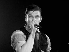 Brent Smith of Shinedown @ First Mariner Area