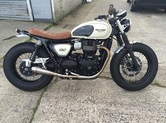 Take a look at some of my most popular builds - unique scrambler concepts like this Triumph Cafe Racer, Cafe Racer Bikes, Triumph Motorcycles, Cafe Racers, Motorcycle Equipment, Scrambler Motorcycle, Motorcycle Posters, Motorcycle Design, Luxury Cars