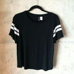 Divided Tops - Divided by H&M black and white jersey tee