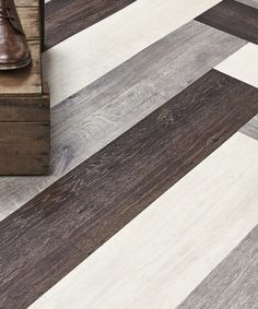 Vinyl!! :-( but love the layout   ------- Vinyl flooring ID INSPIRATION LOOSE-LAY by TARKETT #wood @tarkettitalia