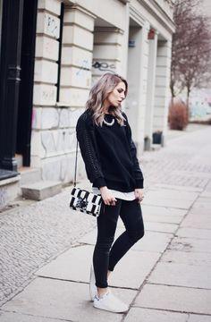 8c764faa399a2 Berlin Mitte   Fashion Blog from Germany   Modeblog aus Deutschland,  Berlin. Stan Smith Outfit Street Styles · Adidas ...